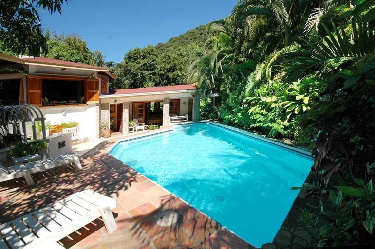 La Soca Villa Tropical Island Real Estate